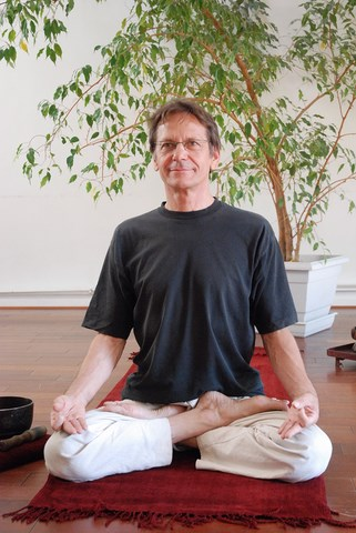 Robert Dumel Professeur Yoga